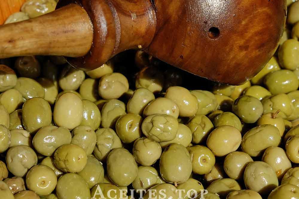aceitunas-de-mesa-verdes-machacadas