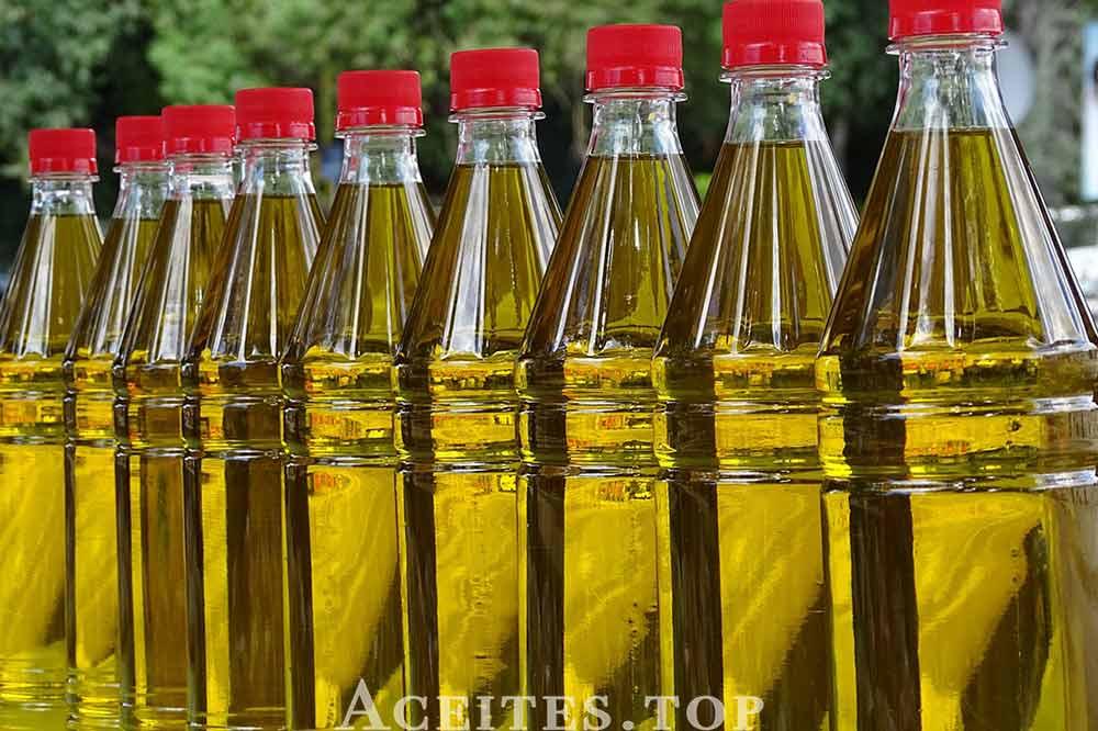 botellas aceite de oliva virgen